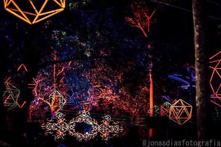 Lineart - O Cosmos em Movimento | 5 anos 13 Oct '18, 20:00